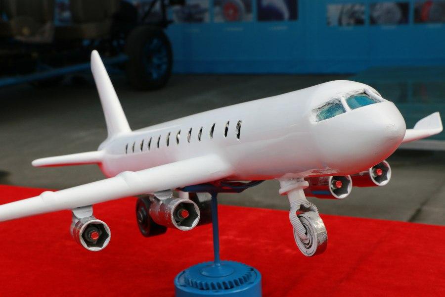 学生自制模型-飞机