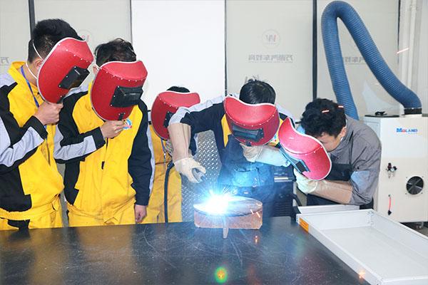 学焊接来万通 高薪就